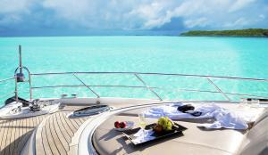 yacht rental miami Starlux Yachts